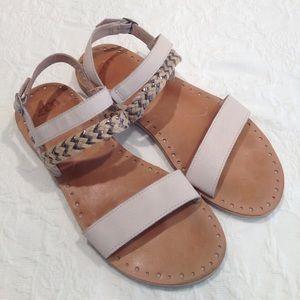 UGG Elin Flat Sandals size 9